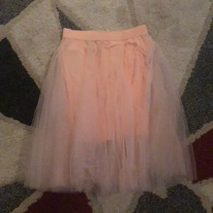Dresses & Skirts - Adorable baby pink flowy skirt!